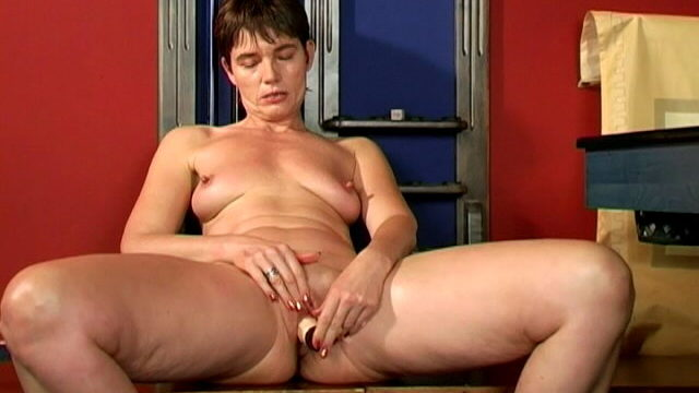Good Taking A Look Brown-haired Grandmother Marketa  Gargling An Phat Fuck Stick With Fervor